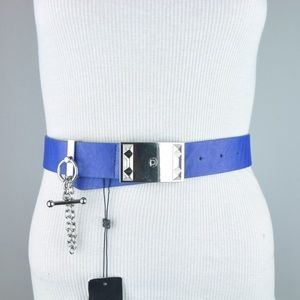 BCBG HIP BELT TOGGLE CHAIN BLUE SILVER TONED SMALL